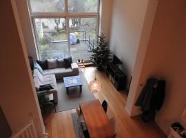 Appartement de standing dans un immeuble bourgeois. Proche des étangs d'Ixelles et de l'Avenue Louise!